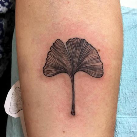 Feminine - Ginko Leaf