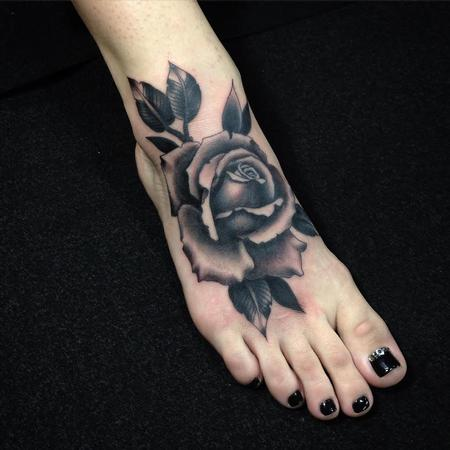 Realistic - Black and Gray Rose