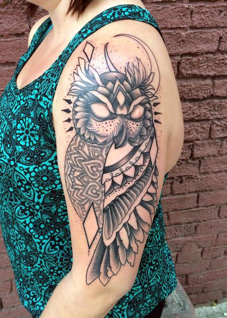 Tribal - Owl with geometric mendhi design
