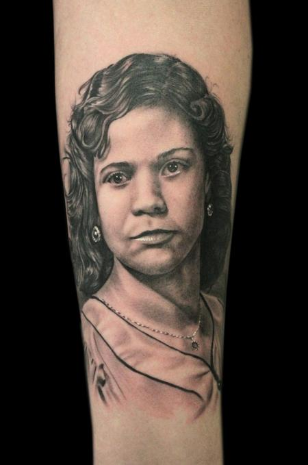 Blackwork - MOM PORTRAIT