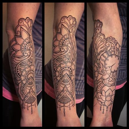 Blackwork - Henna style line work tattoo