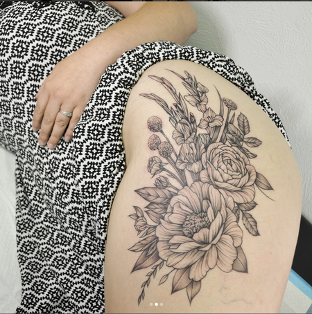 tattoos/ - Galdioli and Floral on Thigh- Instagram @MichaelBalesArt - 129797