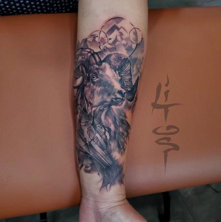 Zodiac symbol tattoos - RAM IT !