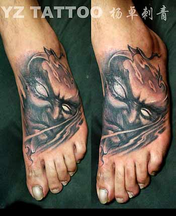 tattoo on face. YangZhuo - Face on foot