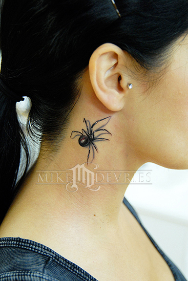 http://www.zhippo.com/MikeDevriesTattoosHOSTED/images/gallery/black-widow_small.jpg