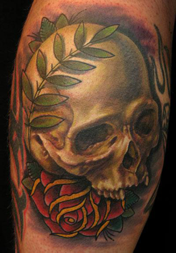 tattoos de alas. Skull and Wreath Tattoo