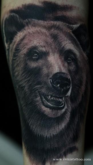 Remis Tattoo - grizzly bear tattoo