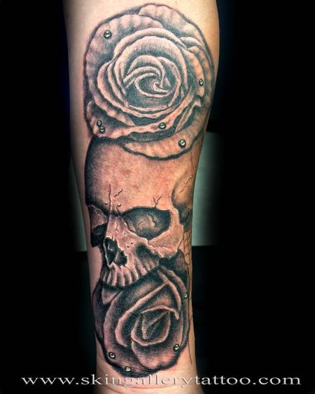 tattoos/ - Black and Gray Skull and Roses - 117423